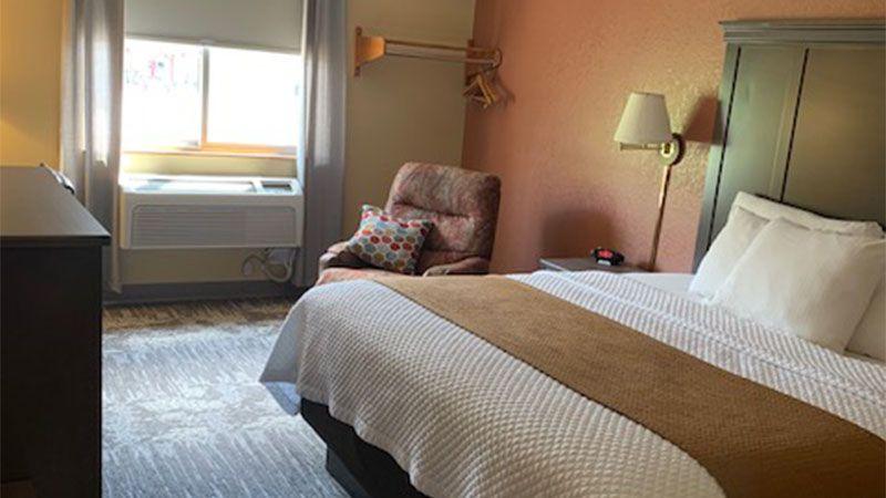 Single Queen Handicap Accessible Motel Room in Grand Rapids MN